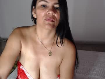 mature women spreading pussie pics