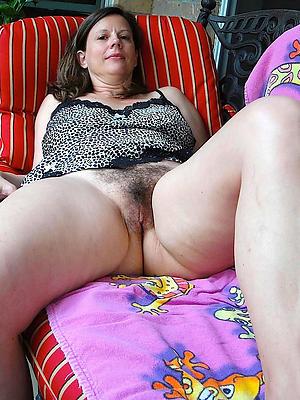 thick chick give bbc blowjob handjob