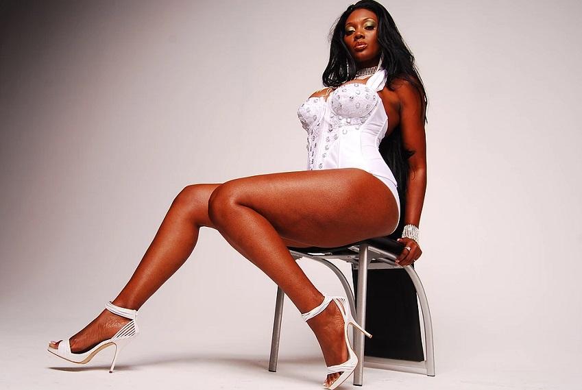 skinne ebony boobs